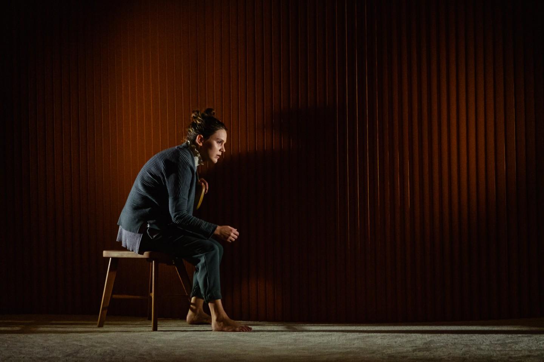 Mélissa Merlo dans Les Barbelés, Théâtre du Trident